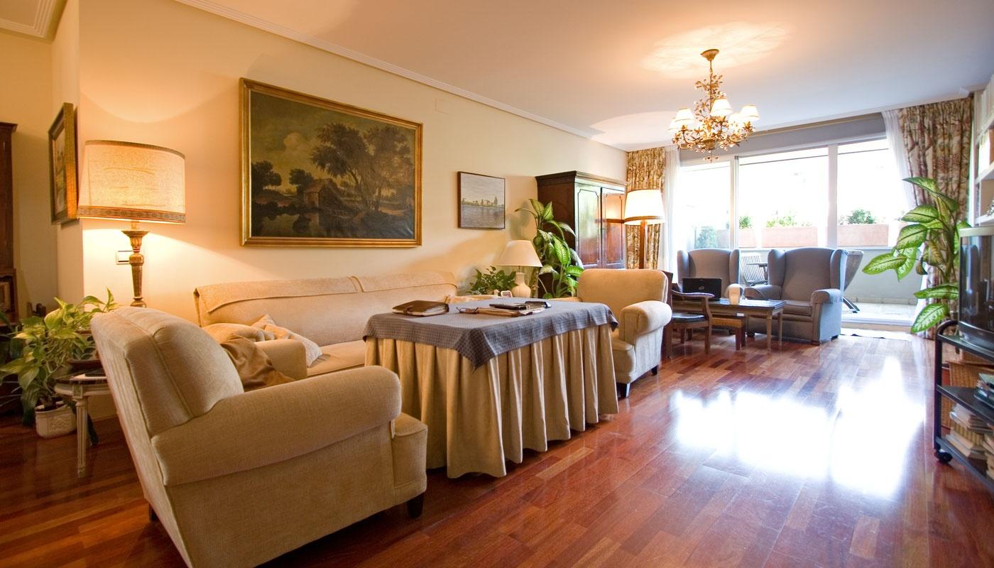 Piso de 210m2 en venta en el porvenir sevilla buhaira for Pisos y casas en sevilla