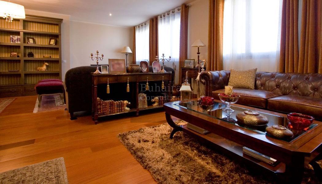 Piso de 301m2 en venta en buhaira viapol sevilla for Pisos y casas en sevilla