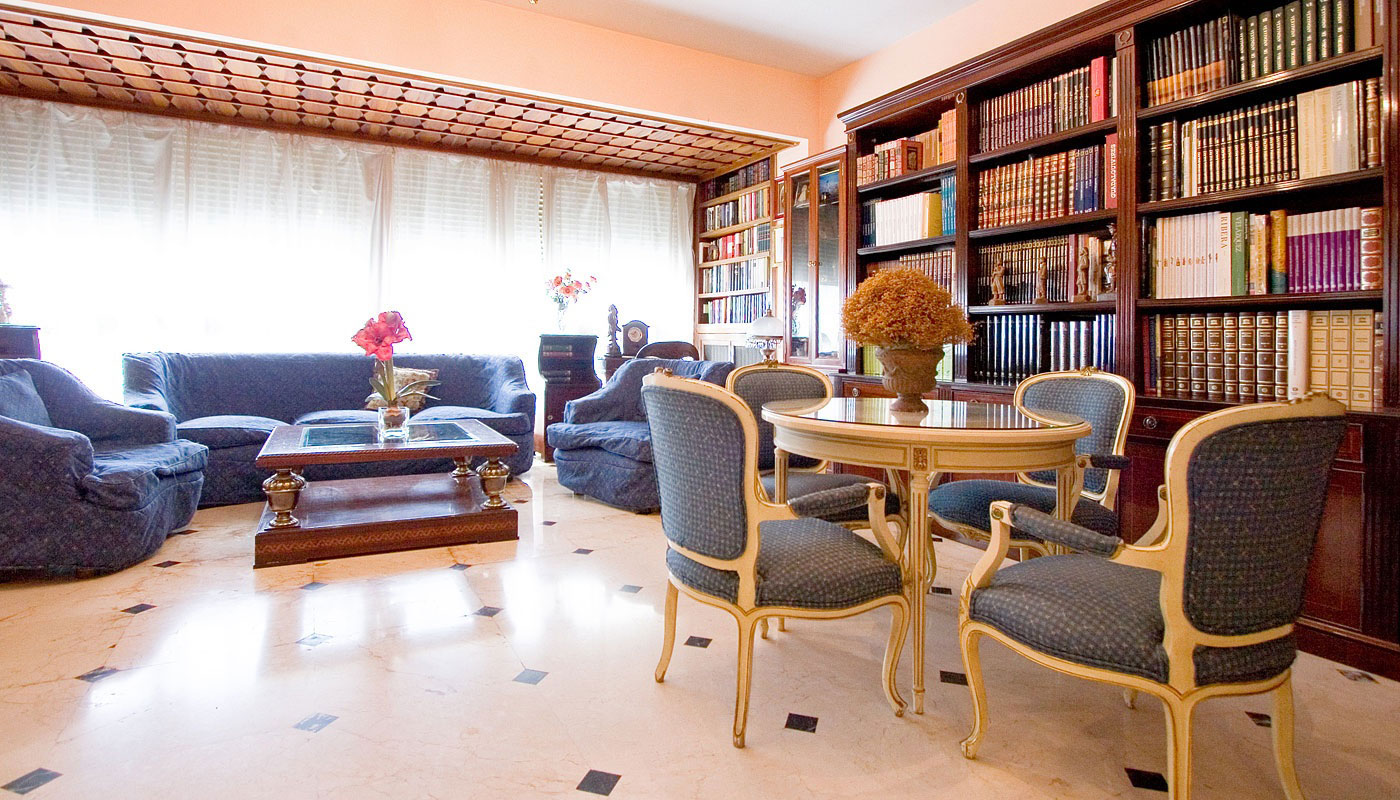 Piso de 245m2 en venta en los remedios sevilla buhaira for Alquiler piso los remedios