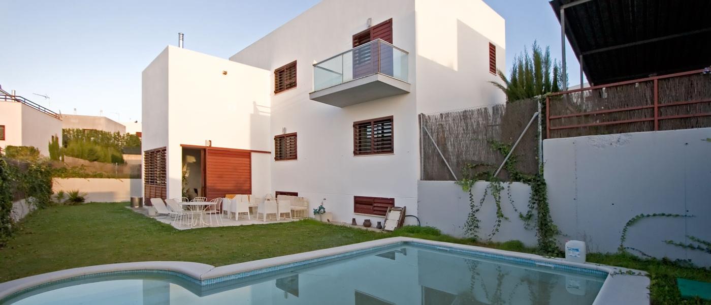 Chalet de 511m2 de parcela en venta en urbanizaciones sevilla buhaira consulting - Buhaira consulting ...