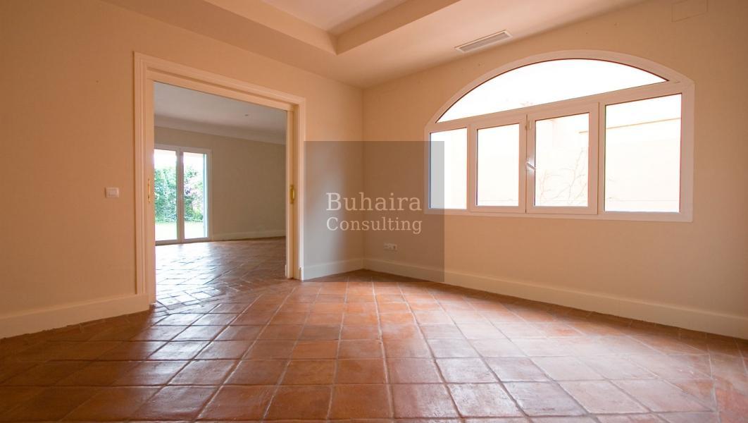 Chalet de 497m2 de parcela en alquiler en urbanizaciones sevilla buhaira consulting - Buhaira consulting ...