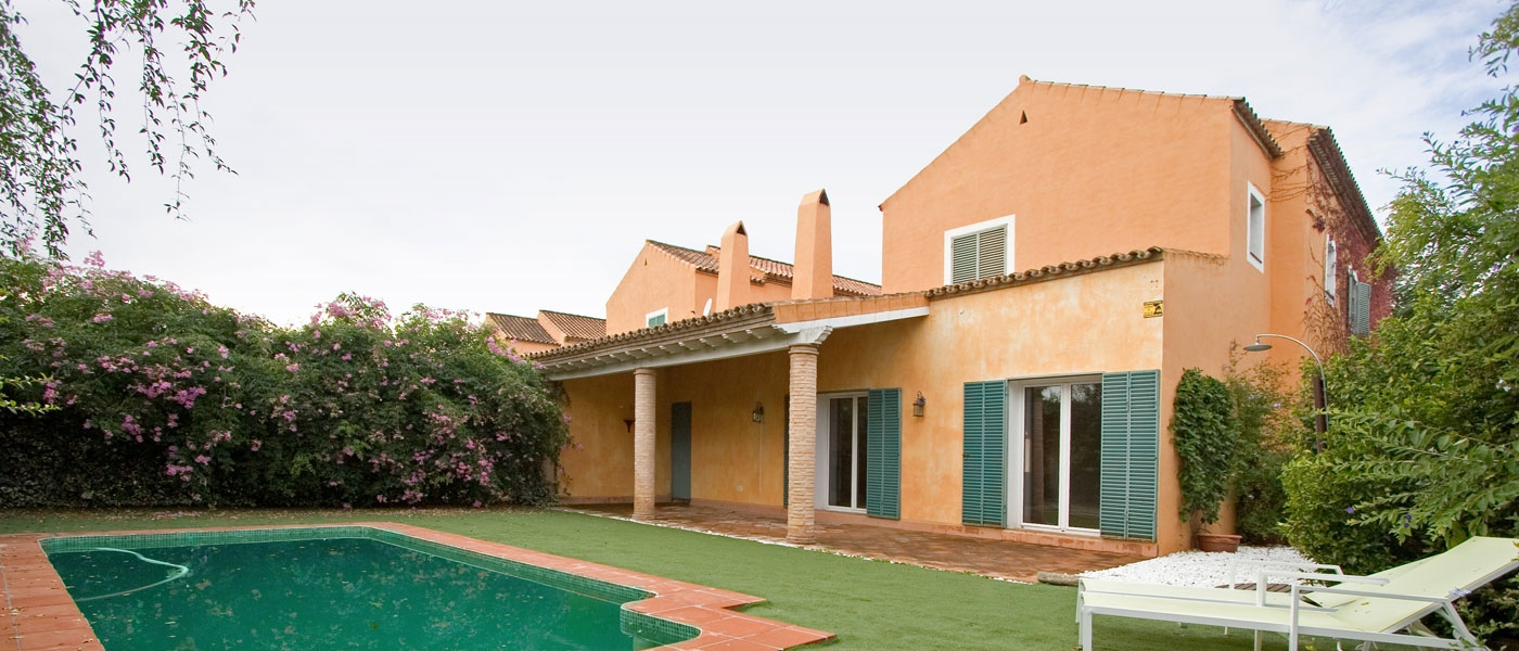 Chalet de 497m2 de parcela en alquiler en urbanizaciones sevilla buhaira consulting - Alquiler casas de lujo ...