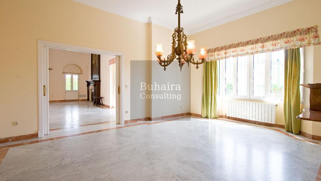 Chalet de 1470m2 de parcela en venta en vistahermosa c diz buhaira consulting - Buhaira consulting ...