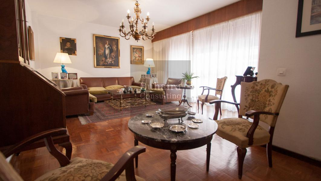 Piso de 300m2 en venta en los remedios sevilla buhaira for Pisos y casas en sevilla