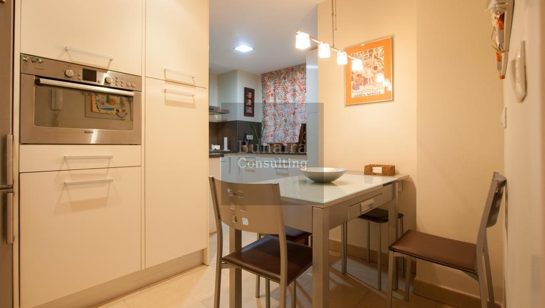Piso de 156m2 en venta en san bernardo sevilla buhaira for Pisos vacacionales sevilla