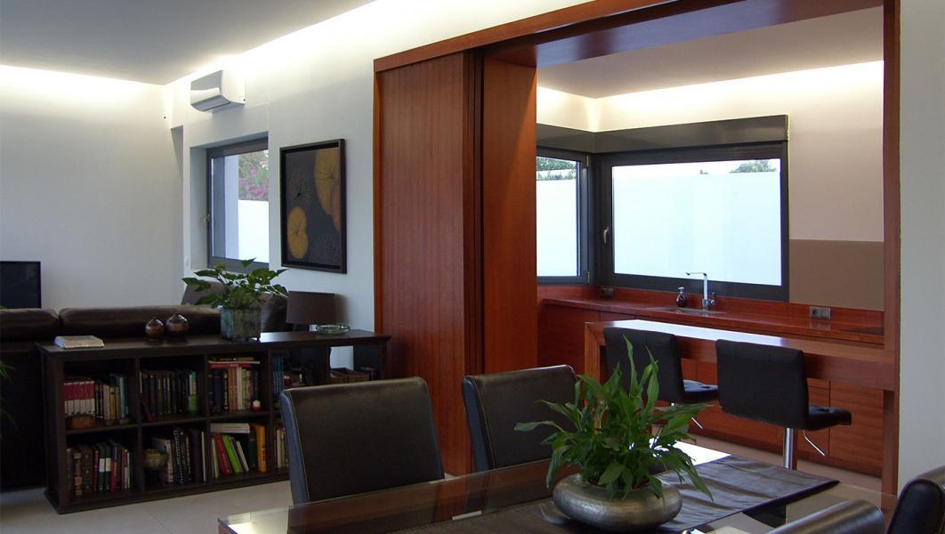 Chalet de 745m2 de parcela en venta en urbanizaciones - Buhaira consulting ...