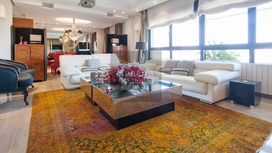 Piso de 208m2 en venta en el porvenir sevilla buhaira for Pisos y casas en sevilla