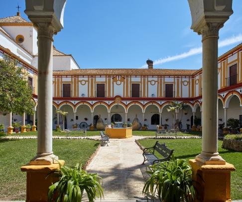 Country House for sale in Bajo Guadalquivir (2134)