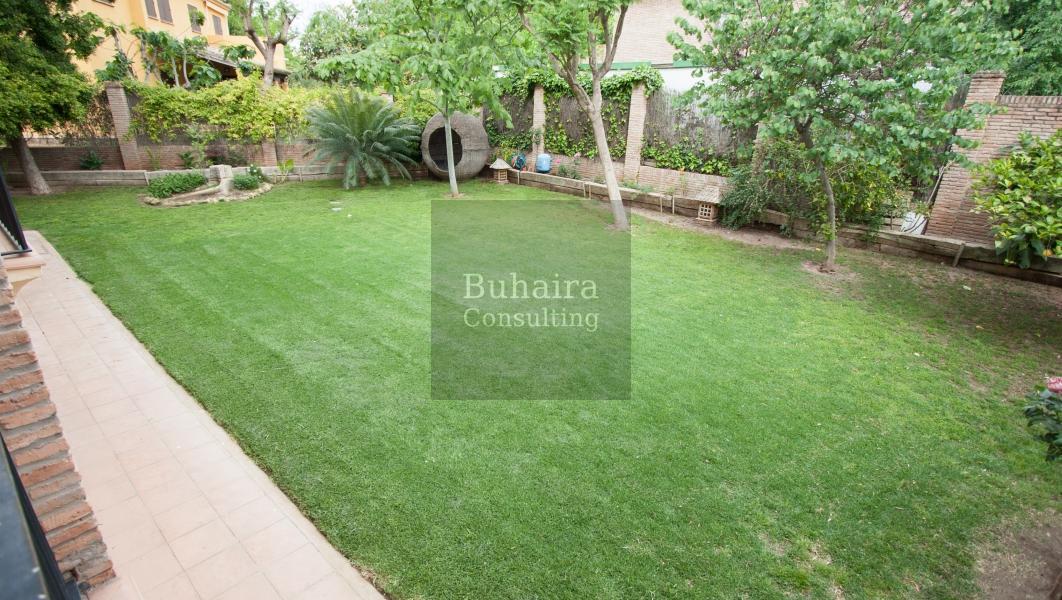 Chalet de 1025m2 de parcela en venta en urbanizaciones sevilla buhaira consulting - Buhaira consulting ...