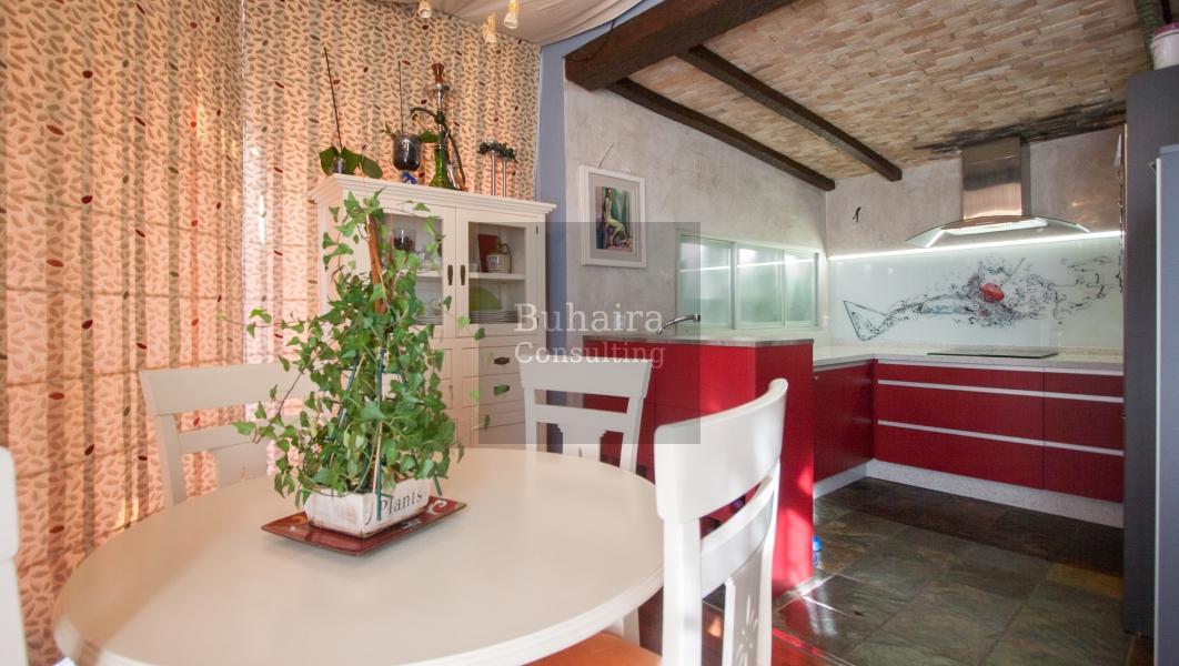 Tico de 115m2 en venta en barrio de santa cruz sevilla - Buhaira consulting ...