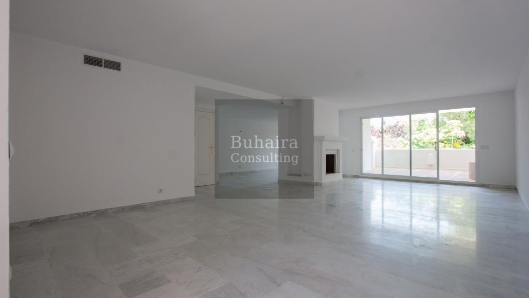 D plex de 334m2 en venta en estepona m laga buhaira consulting - Buhaira consulting ...