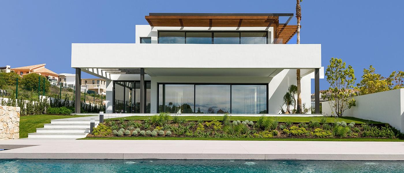 Villa de 2164m2 de parcela en venta en estepona marbella costa del sol buhaira consulting - Buhaira consulting ...