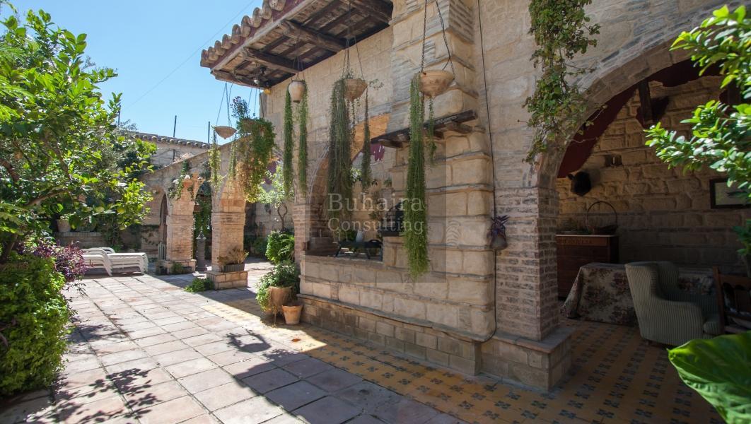 Casa de 790m2 en venta en jerez de la frontera c diz for Casas con piscina jerez de la frontera
