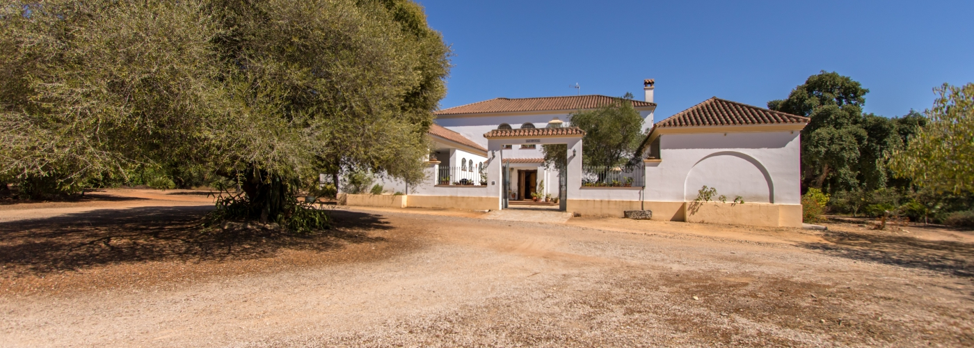 13.69Ha country house  for sale in  Sierra de Cádiz, Cádiz