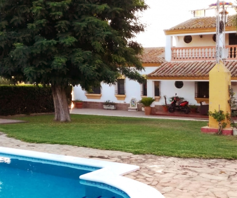Country House for sale in Área Metropolitana (2517)