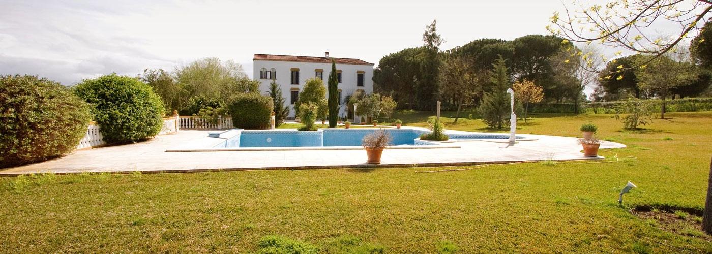 18Ha country house  for sale in  Área Metropolitana, Sevilla